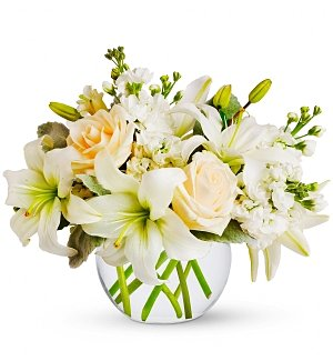 Flower Bouquets: Isle of White Bouquet